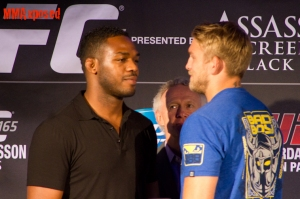 Jones vs Gustafsson Faceoff